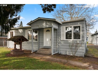 Hillsboro Single Family Home For Sale: 1271 NE 17th Ave