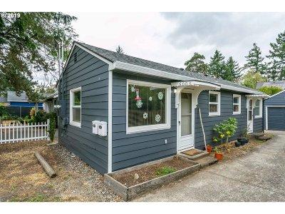 Multnomah County Multi Family Home For Sale: 6003 NE Beech St