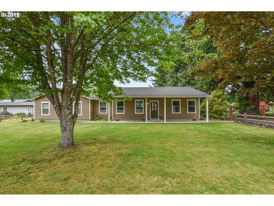 Cowlitz County Single Family Home For Sale: 7923 Old Pacific Hwy N