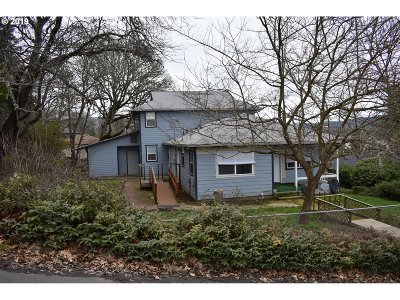 Roseburg Single Family Home For Sale: 1809 NW Goetz St