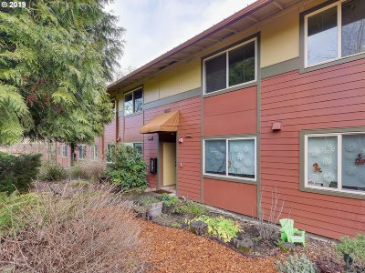 Portland Condo/Townhouse For Sale: 4653 NE Killingsworth St #27