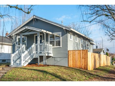 Portland Single Family Home For Sale: 4136 SE 16th Ave