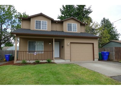 Portland Single Family Home For Sale: 6911 SE 66th Ave