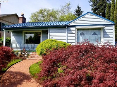 Multnomah County Single Family Home For Sale: 1843 SE 162nd Ave