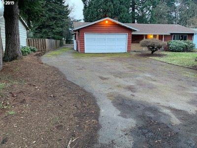 Milwaukie Single Family Home For Sale: 15015 SE Johnson Rd