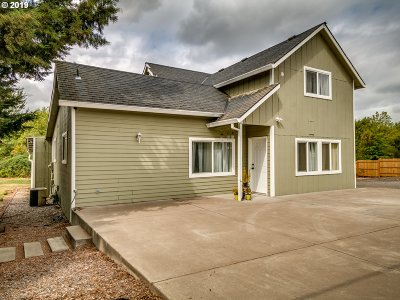 Tualatin Single Family Home For Sale: 22425 SW Boones Ferry Rd
