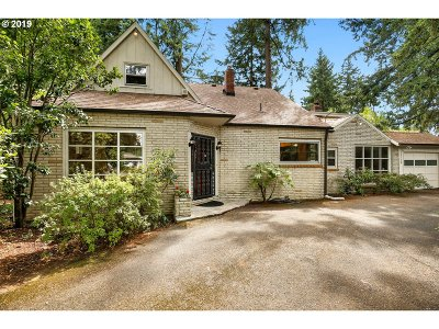 Portland Single Family Home For Sale: 13130 SE Lincoln St