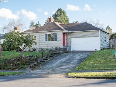 Portland Single Family Home For Sale: 3466 NE Lombard Ct