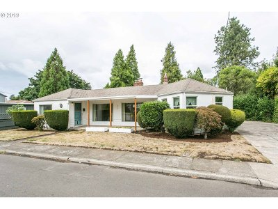 Wilsonville, Canby, Aurora Single Family Home For Sale: 402 SW 3rd Ave