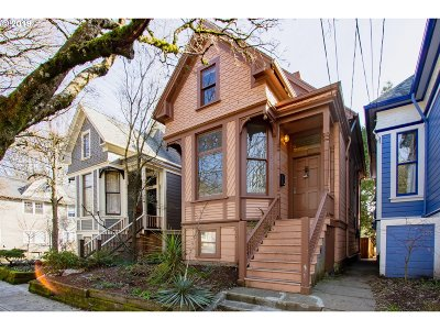 Portland Single Family Home For Sale: 3410 SW Water Ave
