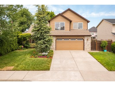 Troutdale Single Family Home For Sale: 725 SW 27th Way