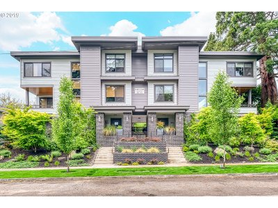 Lake Oswego Condo/Townhouse For Sale: 654 1st St