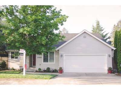 Single Family Home For Sale: 25084 Cottage Ct