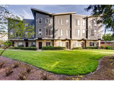 Beaverton Condo/Townhouse For Sale: 1025 SW 166th Ave