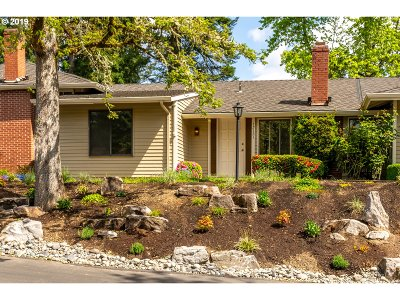 Beaverton Single Family Home For Sale: 15121 SW Trillium Ln