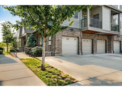 Hillsboro Condo/Townhouse For Sale: 843 NE Wheelock Pl #16c