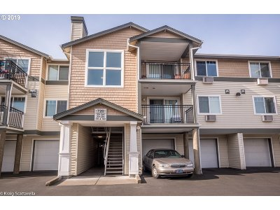 Beaverton Condo/Townhouse For Sale: 720 NW 185th Ave #303