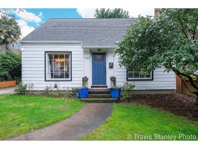 Portland Single Family Home For Sale: 7000 SW Terwilliger Blvd