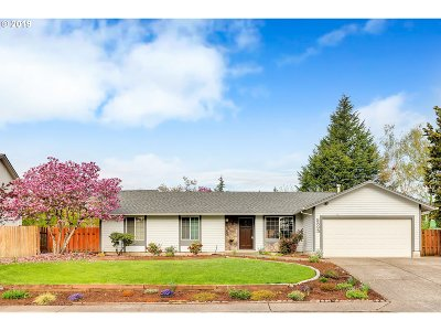 Beaverton Single Family Home For Sale: 8595 SW Rebecca Ln