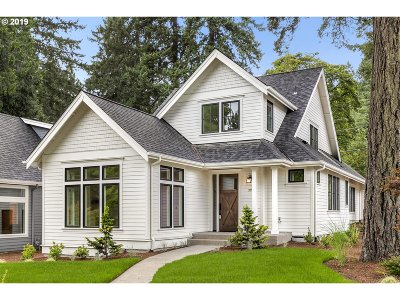 Multnomah County, Clackamas County, Washington County Single Family Home For Sale: 390 9th St