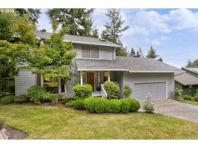 Portland Single Family Home For Sale: 11932 SW 34th Ave