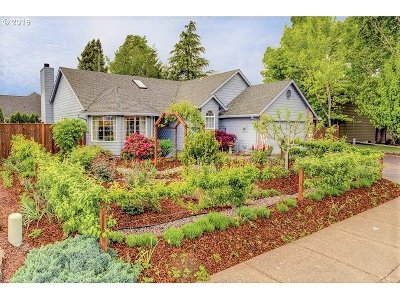 Newberg, Dundee, Mcminnville, Lafayette Single Family Home For Sale: 447 SW Westview Dr