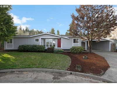 Scappoose Single Family Home For Sale: 53047 NW Olepha Dr