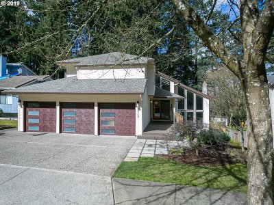Tualatin Single Family Home For Sale: 8719 SW Iroquois Dr