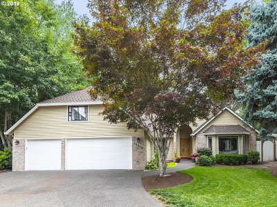 Lake Oswego Single Family Home For Sale: 13978 Westcott Ct