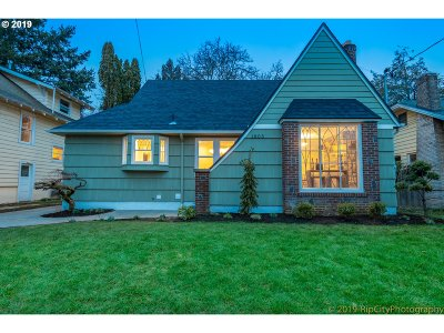 Portland Single Family Home For Sale: 1805 NE 37th Ave