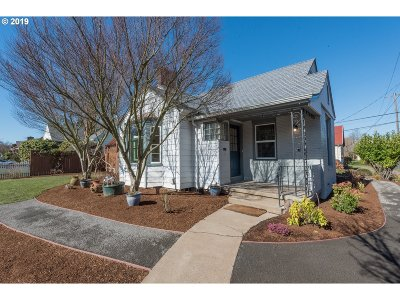 Portland Single Family Home For Sale: 4615 NE Irving St