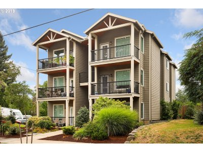 Condo/Townhouse For Sale: 5734 N Montana Ave #5