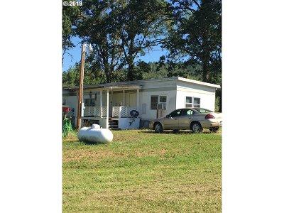 Roseburg Single Family Home For Sale: 1450 Elgarose Rd