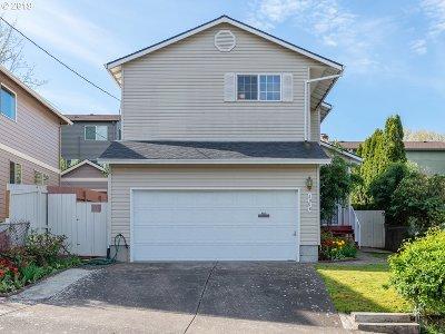 Portland Single Family Home For Sale: 4056 SE Mall St