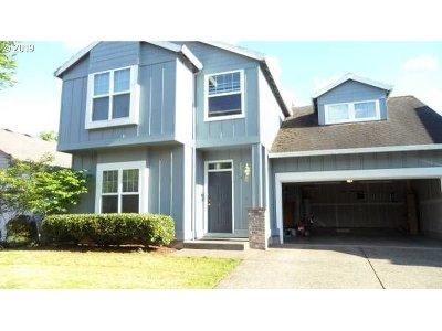 Hillsboro Single Family Home For Sale: 8688 NE Swire St