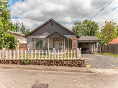 Sweet Home Single Family Home For Sale: 1557 9th Ave