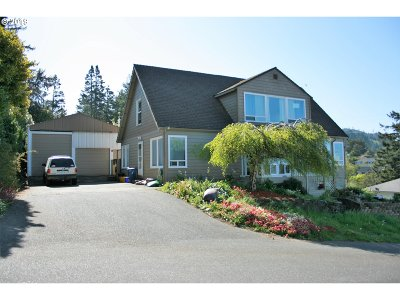 Gold Beach Single Family Home For Sale: 29767 Sutton St