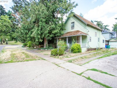 Portland OR Single Family Home For Sale: $199,900