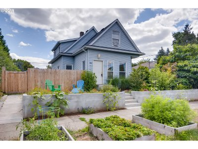 Portland Single Family Home For Sale: 4704 SE Boise St
