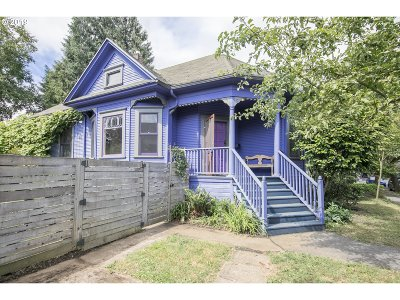 Portland Single Family Home For Sale: 3642 SE Morrison St