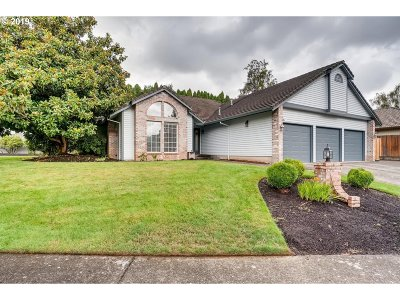 Vancouver Single Family Home For Sale: 16506 SE Fisher Dr