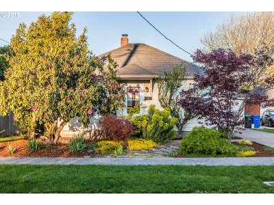 Multnomah County Single Family Home For Sale: 5734 SE 19th Ave