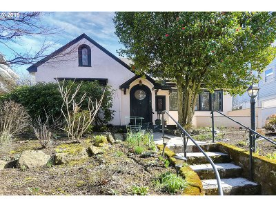 Portland Single Family Home For Sale: 2804 NE 34th Ave