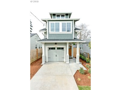Portland Single Family Home For Sale: 9365 N Chicago Ave