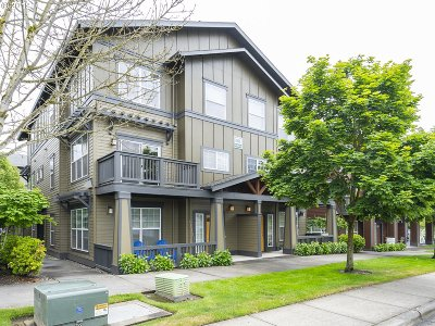 Beaverton Condo/Townhouse For Sale: 1010 SW 170th Ave #201