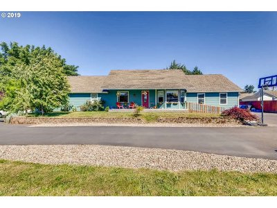 Molalla Single Family Home For Sale: 923 W Main St
