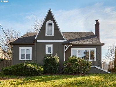 Single Family Home For Sale: 3815 NE Alameda St