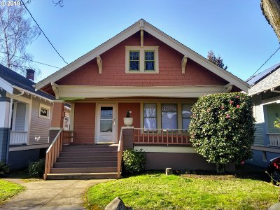 Portland Single Family Home For Sale: 3321 SE 16th Ave