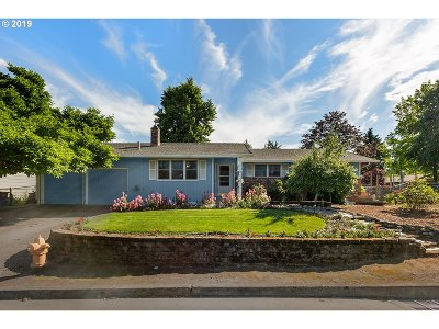 Clackamas County Single Family Home For Sale: 13291 Eastborne Dr