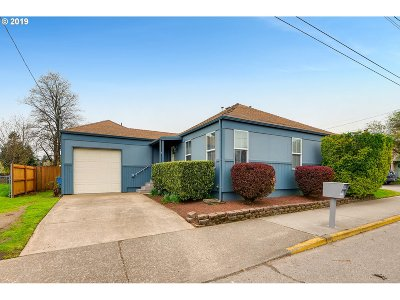 Portland Single Family Home For Sale: 3045 SE 122nd Ave